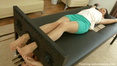 Tickling-Submission - Tied toes and nylon tickling - ShellyTickling