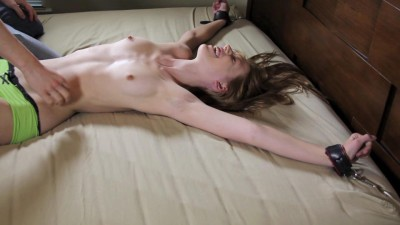 ZenTickling - Pepper Returns for Topless TicklingZenTickling