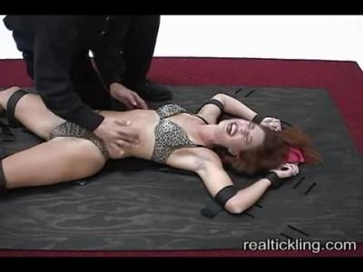 Realtickling - Tc5439RealTickling