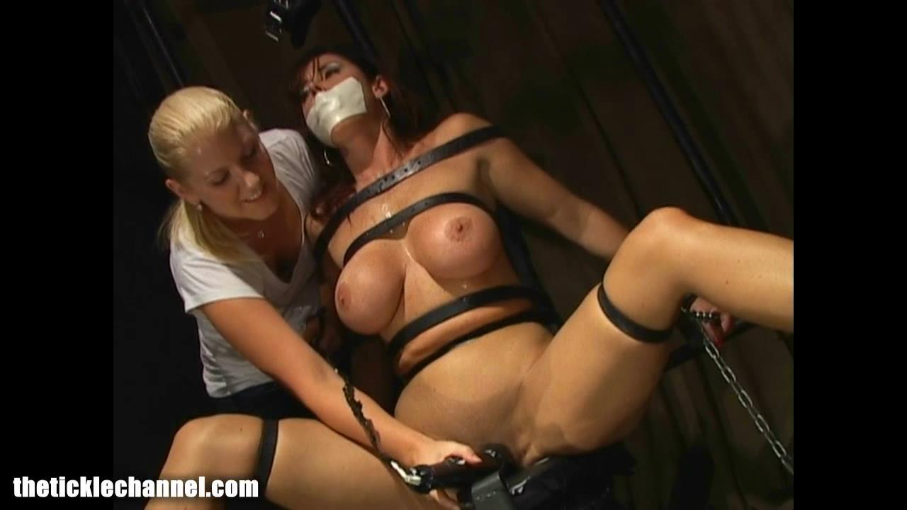 LOVE blood tests for no orgasm crap, Sienna smokin!!
