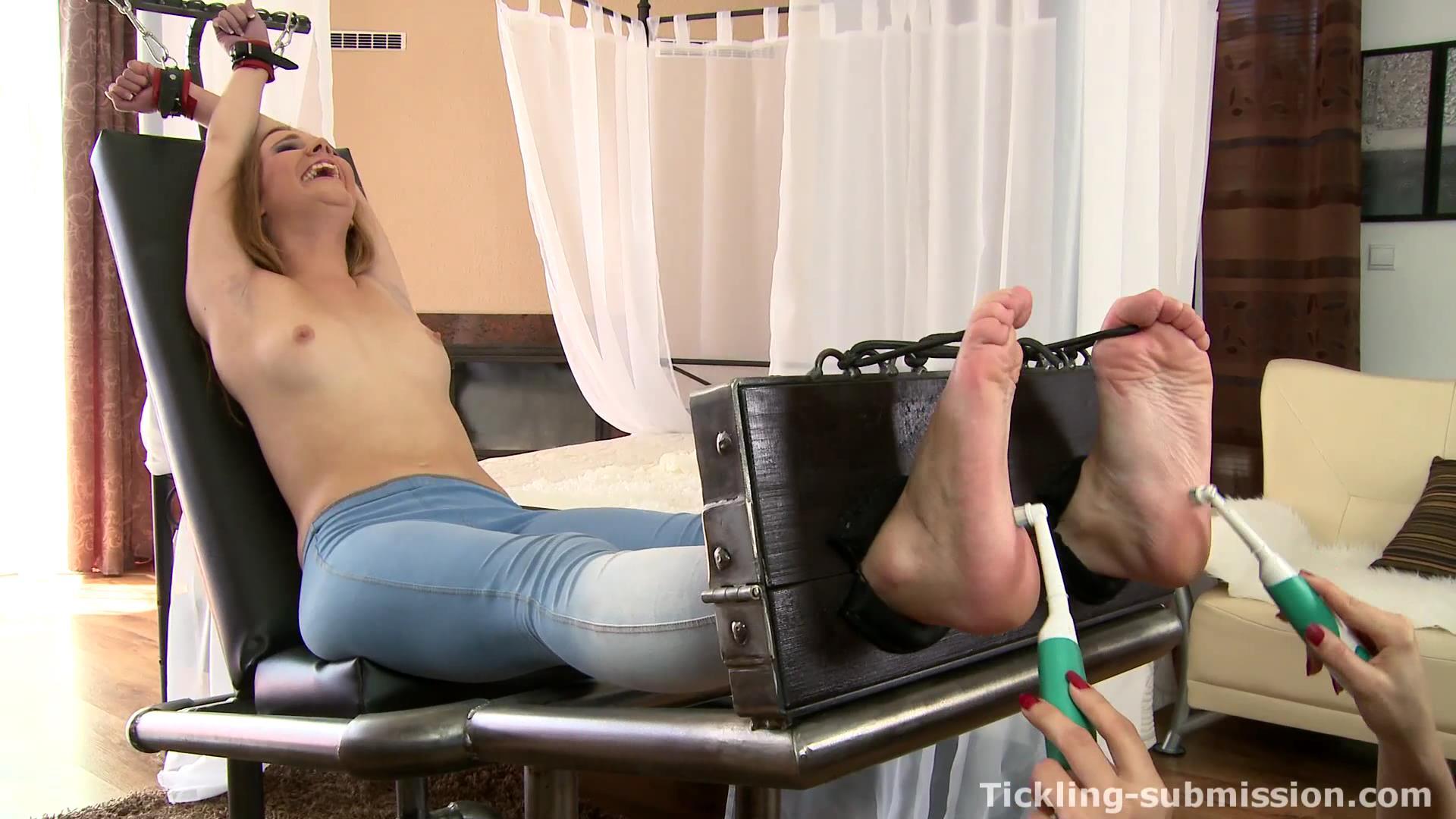 Extra ticklish feet by milf lorena 5