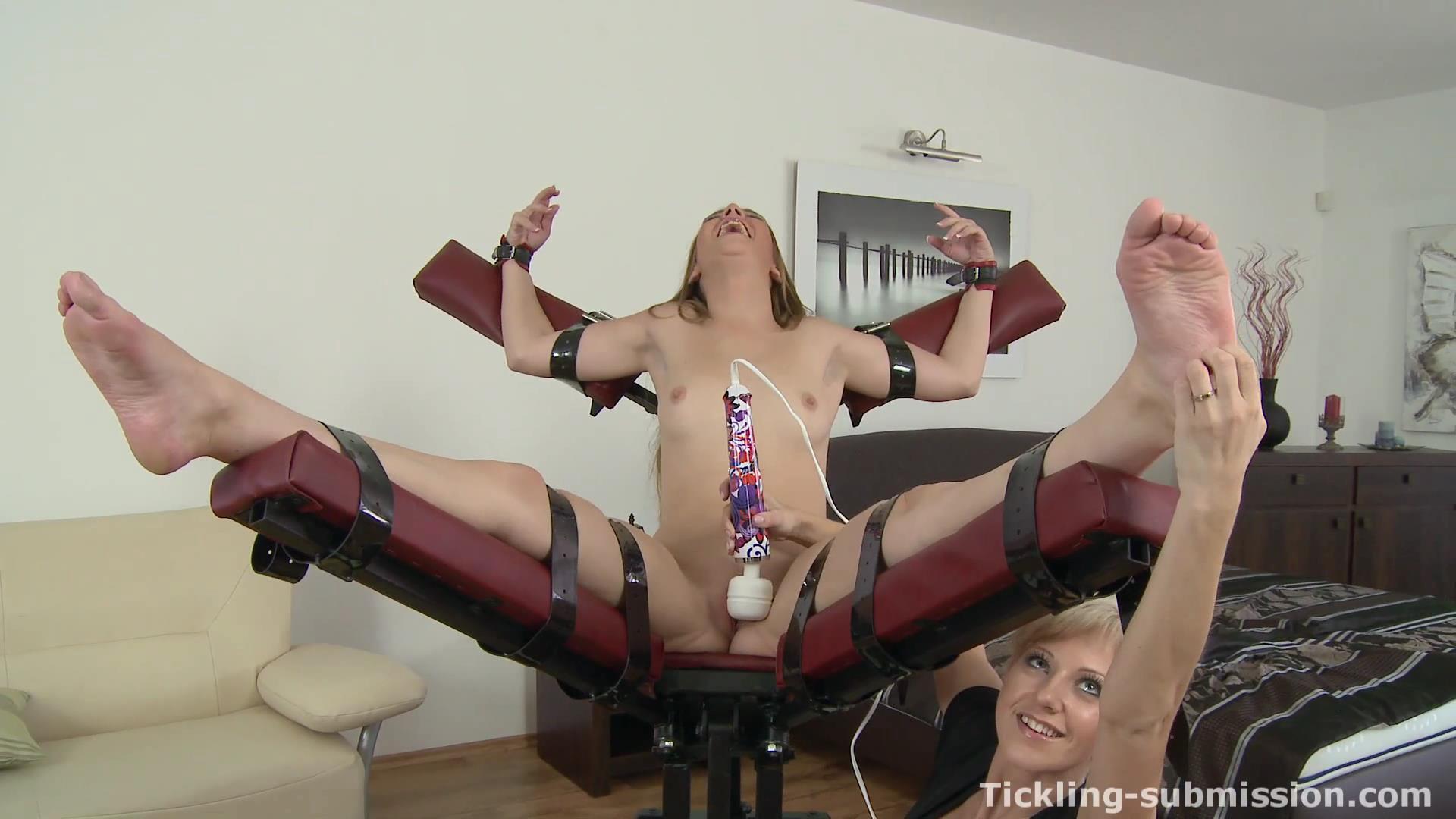 Free F F Tickle Porn Galery