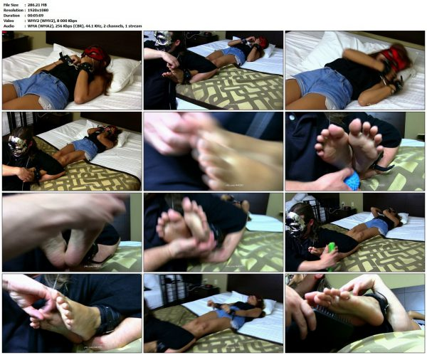 AsianFootTickling - Roxy First Time EverAsianFootTickling VIP Clips