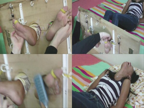 AsianFootTickling - Fun With Janice In The StocksAsianFootTickling